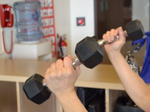 腰を痛めない正しいスクワットのやり方で下半身を鍛える方法