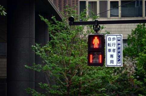 むしろ今まで無かったのかとツッコミたい。佐賀県に待ち時間が分かる信号機が(ようやく)設置。