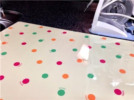 キッチンの調理台に敷く防音防傷のクッションシートをベルメゾンで買い直しました。¥1,600から。