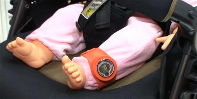 製品化待ち遠し過ぎ!! 赤ちゃんの体温や室温などを通知してくれるツールを村田製作所が提案