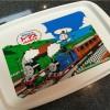 超軽くて子どもでも持ちやすい。いろいろな食器がセットされたトーマスの食器セットを買ってみたらすごく良かった