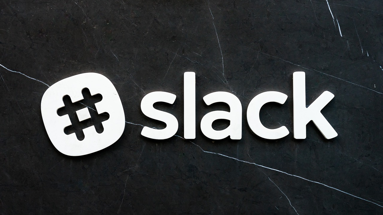 Slack APIのattachmentsで削除アイコンを消す方法